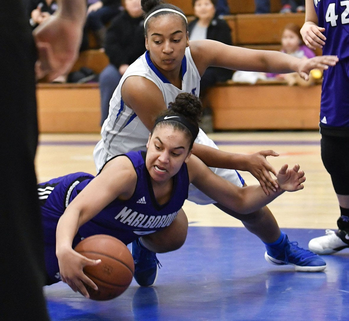Mustangs Advance to CIF-SS Basketball Quarterfinals